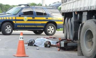 Duas pessoas morrem em acidente na BR-116