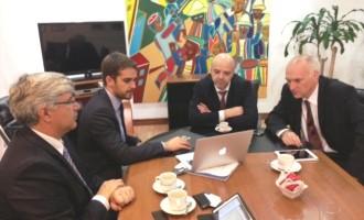 Eduardo e comitiva buscam parcerias com o Uruguai