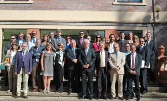 Educação Sem Fronteiras: CAVG firma convênio com Universidade Espanhola