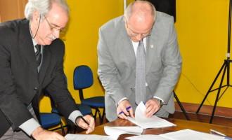 Federal FM e Fundação Piratini assinam convênio para intercâmbio de programação