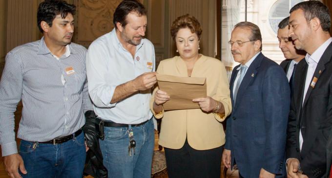 Dilma recebe documento que reivindica fim dos pedágios no Polo Pelotas