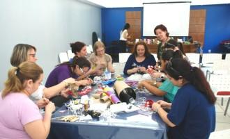 Profissionais da educação infantil participam de oficina