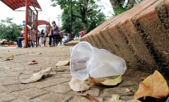 Descartar lixo em via pública vai gerar multa