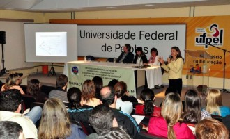 UFPel debate a Qualidade da Educação, Democratização e Permanência