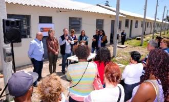 Mais 19 famílias recebem casas no loteamento Barão de Mauá