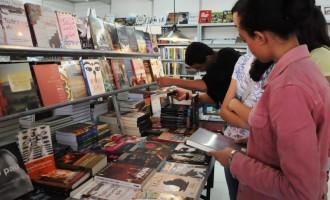 Feira do Livro: Prefeitura distribui nota sobre espaços no Mercado