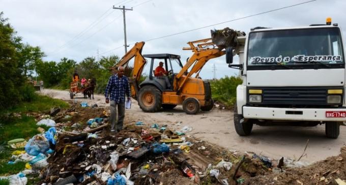 Prefeitura retira lixão da Estrada do Engenho