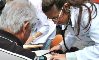 """Medicina da UCPEL oferece a """"Blitz da Saúde"""""""