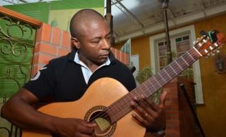Tonny Ribeiro é presença musical do Som Daqui desta sexta