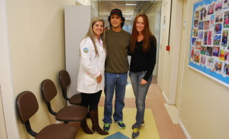 UTI Neonatal do HE recebe doação de cadeiras