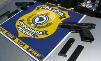 PRF Pelotas prende homens com pistolas israelenses