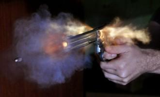 Madrugada violenta termina com um morto e quatro baleados