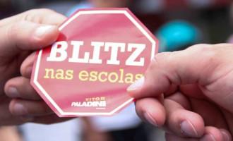 BLITZ NAS ESCOLAS: Projeto realiza atividade no Calçadão