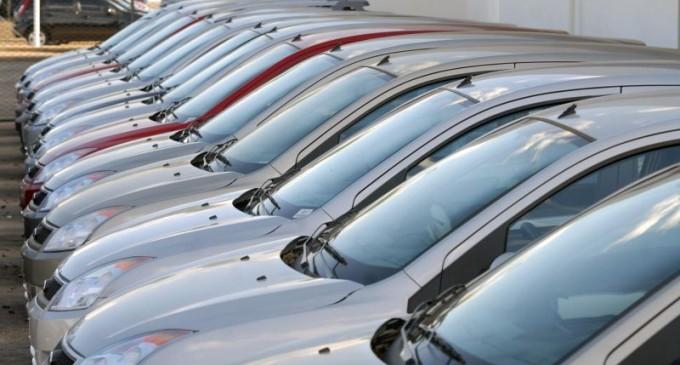 VEÍCULOS NOVOS : Venda cai em 2016 e comércio de usados se mantém estável