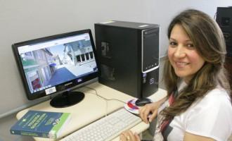 Aluna do Programa de Pós-Graduação em Letras realiza doutorado sanduíche em Portugal