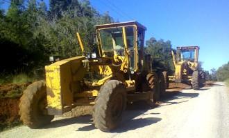 Mutirão recupera estradas da zona rural