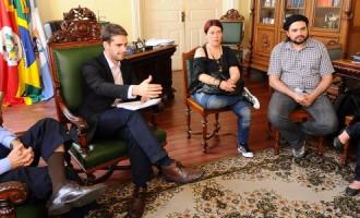 Simp entrega proposta de plano de carreira à prefeitura