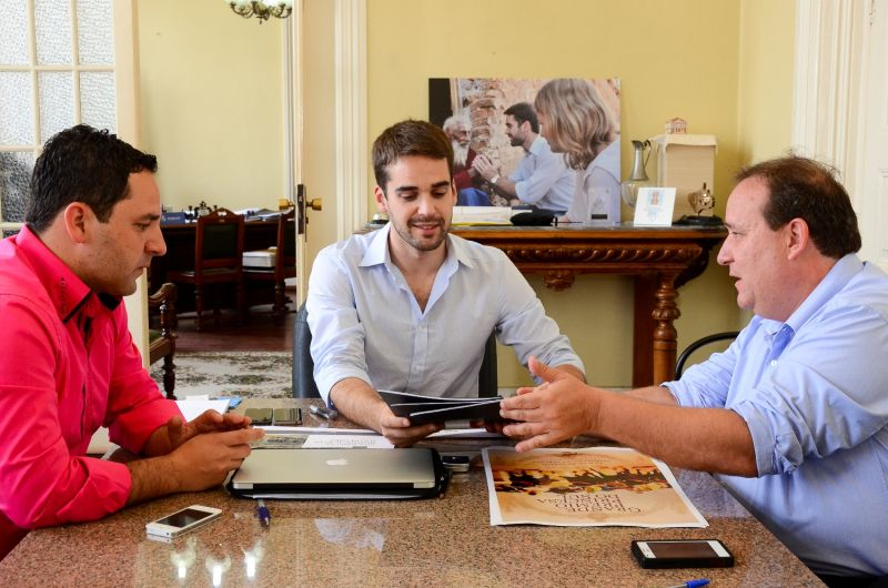 Eduardo Leite com Renato Braga e Rafael Amaral