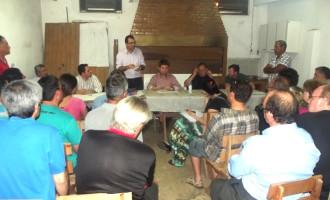 Taxistas recebem apoio de vereadores e deputado