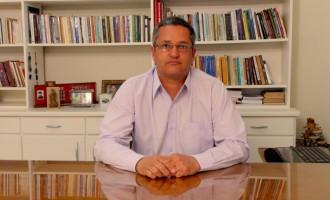 Professor e Advogado Ricardo Costa lança livro