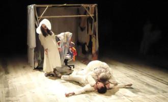 Peça teatral da 3ª turma do curso de Teatro-UFPel estreia Sábado(9)
