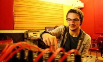 Egresso da Produção Fonográfica UCPel assina contrato com gravadora inglesa