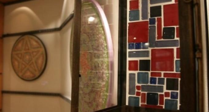 Exposição Arte em Mosaico na Galeria de Arte da UCPel