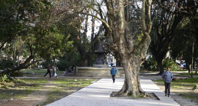 Praça Cipriano Barcelos receberá iluminação pública