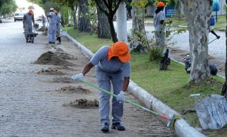 Limpeza urbana no Laranjal e zona do Porto