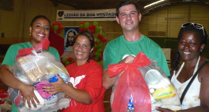 LBV entrega cestas de alimentos a famílias de baixa renda