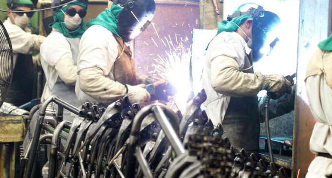 Resultado de imagem para industrias mao de obra