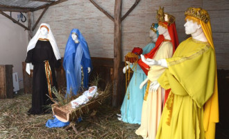 Câmara no espírito do Natal: Presépio ilumina Parlamento
