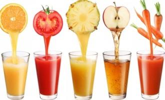 Todas as bebidas hidratam e são aliadas no verão, diz especialista