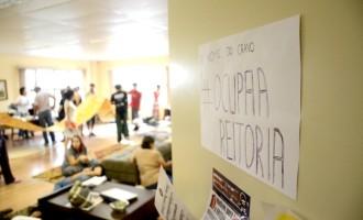 Estudantes ocupam a reitoria da UFPel