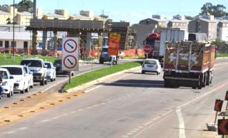 Trânsito será interrompido na BR-116 para lançamento de vigas do viaduto da Fernando Osório