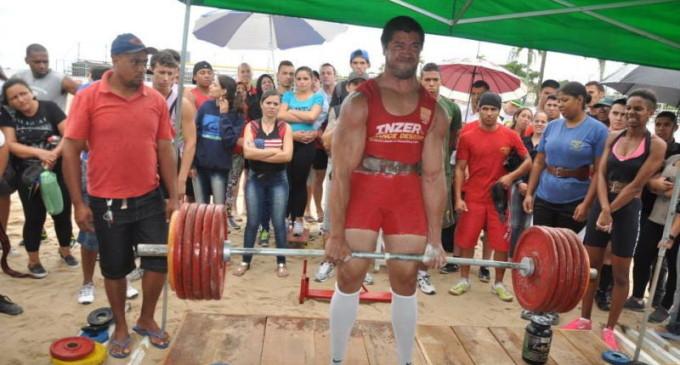 Torneio Praiano de Levantamento de Peso movimenta o Laranjal
