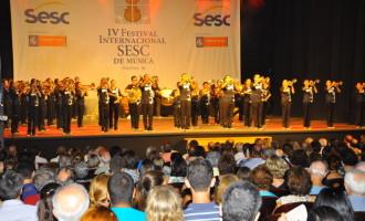 Muita emoção na noite de abertura do Festival do SESC