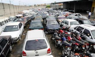 Leilão de veículos e sucatas na Casa do Gaúcho em Porto Alegre