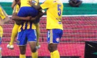 """OUTRA DERROTA : """"Não adianta enlouquecer em campo"""" diz Paulo Porto"""