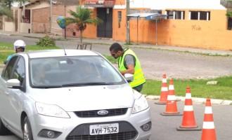 Concessionária promove ações educativas no trevo da Vila da Quinta na BR 392