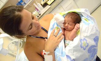 Maternidades da região Sul recebem equipamentos para registro de nascidos