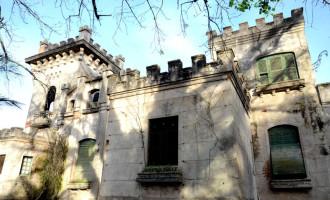 Secretarias fazem reparos no interior do Castelo Simões Lopes
