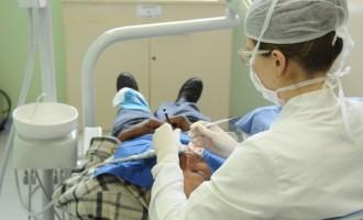 Dentistas são capacitados para atender pessoas com deficiência
