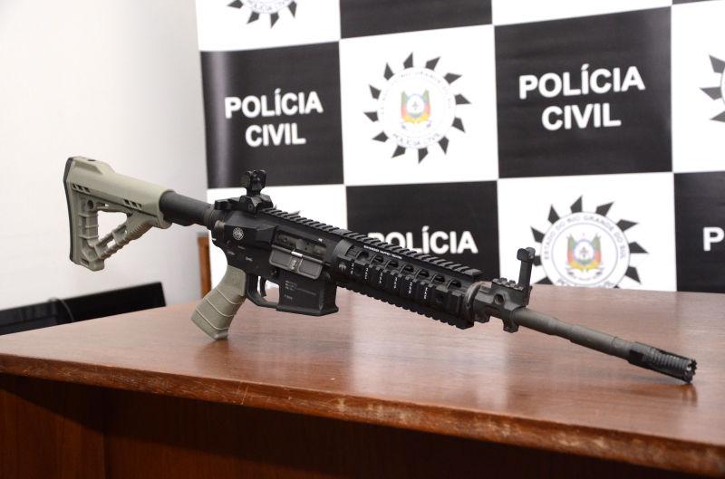 ARMA apreendida tem capacidade para furar até carros blindados Foto de Alisson Assumpção/DM