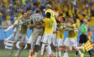 Júlio César coloca Brasil nas quartas de final