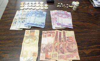 NAVEGANTES : Policiamento Comunitário prende dois traficantes