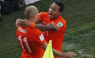 GRUPO B : Holanda fecha com 100%