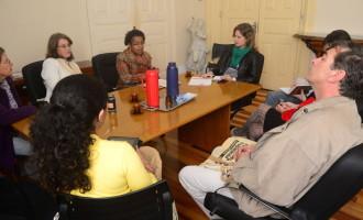 Paula recebe a coordenadora do Conselho Municipal dos Direitos da Mulher de Pelotas