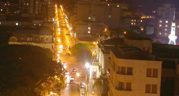 ILUMINAÇÃO PÚBLICA : Prefeitura cria taxa de contribuição