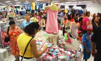 Número de vagas no varejo gaúcho cresce 5% em maio